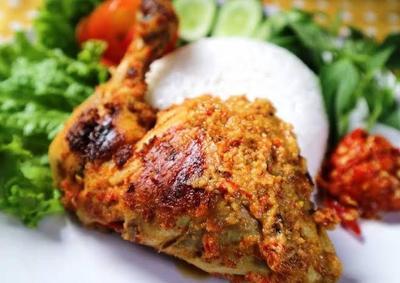 nasi ayam bakar padang spicy bbq chicken with rice veggies indonesian community of new england inc nasi ayam bakar padang spicy bbq chicken with rice veggies